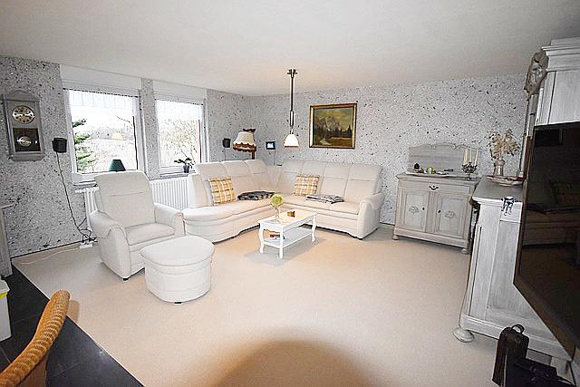 zu deinem gl ck brauchst du mich reserviert schrade immobilien und finanzierung. Black Bedroom Furniture Sets. Home Design Ideas